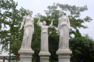 Каменные богини