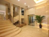 Лестница в вестибюле